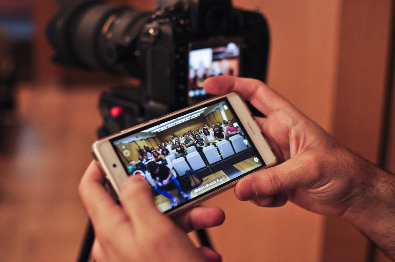 Video en Streaming de las Charlas de Fundación Cajasol | M2 Comunicación